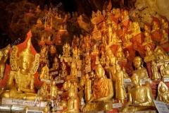 golden-buddha-statues-in-pindaya